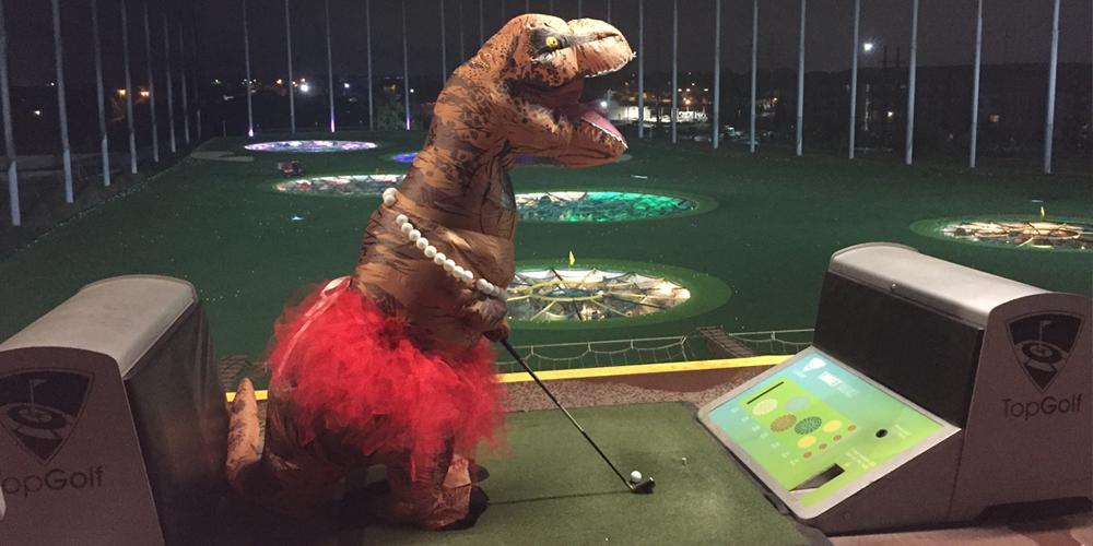 lizzie-t-rex-golfing